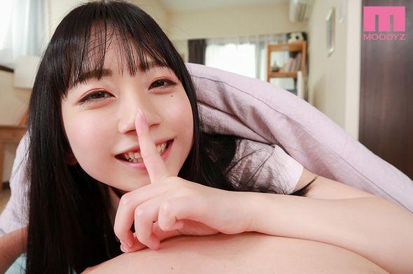 七沢みあの制服パンチラ誘惑VR②